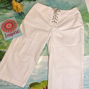 Gloria V white capris with lace up front size 14